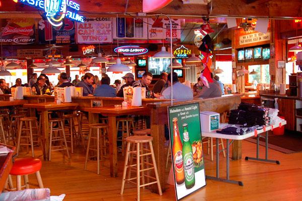 Consejos para disfrutar fútbol en un bar